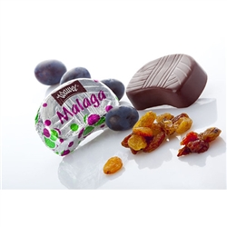 Discover the sweet nature of Malaga and their ideal proportions of the perfect ingredients. Malaga's unique character owes to its dark chocolate shell and thick filling, topped off with the sunny radiance of raisins inside.