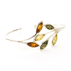 Simple yet elegant silver bracelet with leaf shaped amber leaves.