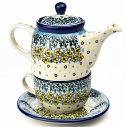 "Pattern designed By Teresa Liana. The artist has been connected with the Artistic Handicraft Cooperative ""Artistic Ceramics and Pottery"" since 1983. Since 1992 she has been a pattern designer. Unikat pattern number U4764."