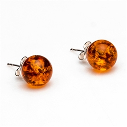 Gorgeous Baltic Amber square stud earrings surrounded with a ring of Sterling Silver leaves.