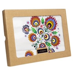 Beautiful Polish paper cut folk design Table runner. The design comes from the Lowicz area of central Poland and is based on the famous paper cut designs from this region. 100% cotton and made in Poland. ​