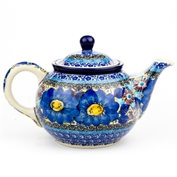 "Pattern designed by master artist Maria Starzyk . The artist has been connected with Handicraft Cooperative ""Artistic Ceramics and Pottery"" since 1995, whereas since 1997 she has been a pattern designer. Unikat pattern number U4659"