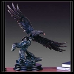 "24"" Flying Eagle Statue with Bronze Finish - Figurine"