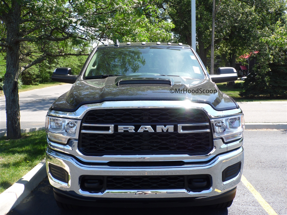2019 Dodge Ram 2500 >> 2019 Dodge Ram 2500 3500 Hood Scoop Kit With Grille Insert Hs009 Unpainted Or Painted