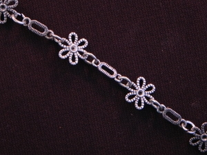 Handmade Chain Antique Silver Colored Small Daisies