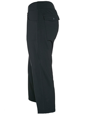 Stretch pant, capri length, front and back pockets. Sizes XS-2XL. Black