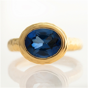 Hammered Oval Bezel Ring Blue Sapphire