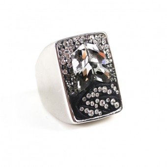 Black & White Ring