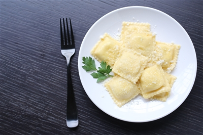 Medium Square Cheese Ravioli