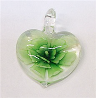 GP1-08-04 GLASS HEART PENDANT WITH FLOWER
