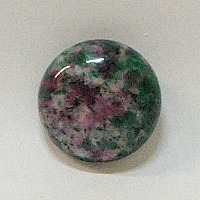JO6-10 RUBY ZOISITE 20mm ROUND CABOCHON