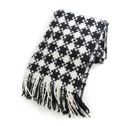 Mackenzie-Childs Houndstooth Throw - Black & Ivory