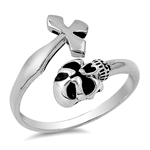 Silver Ring - Skull and Cross - $5.01