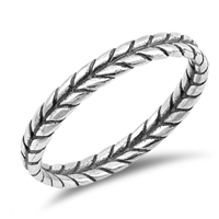Silver Ring - Leaf Braid - $2.77