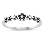 Silver Ring - Flowers - $2.17