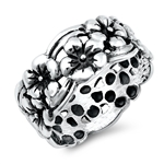 Silver Ring - Flowers - $5.98
