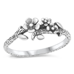 Silver Ring - Flower Vine - $3.20
