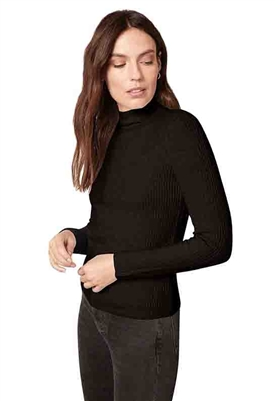 BB Dakota Chic Show Sweater in Black