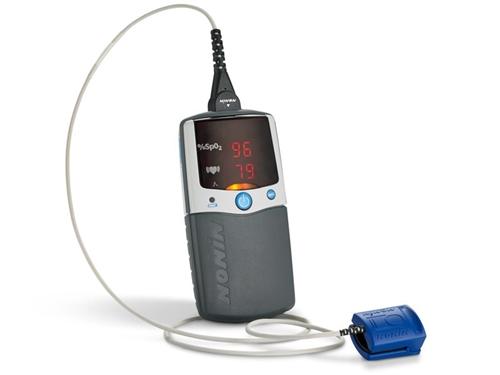 Nonin palmsat 2500a $485. 00 hand held pulse oximeter. Free shipping.