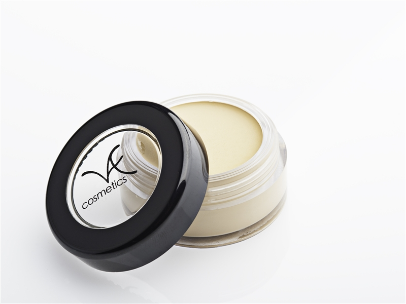 Creamy, full coverage concealer works as a eyeshadow primer. Think of it as your eraser to use for a flawless look!