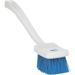 Vikan 4180, Vikan Resin Set Long Churn- Stiff This long handled scrub brush allows you to reach into hard to access parts of equipment. Polyester bristles are affixed to a solid polypropylene block with resin.