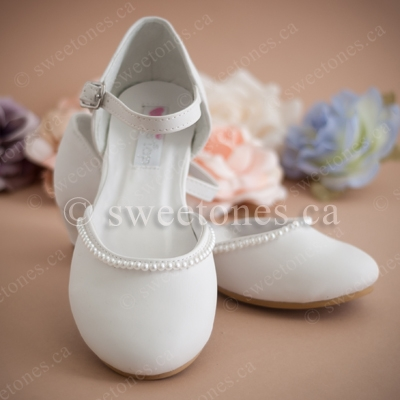 a646be00b8cc5 Girl's heeled shoe with pearl accents - Style G-SHOES-S70