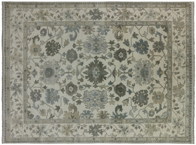 Traditional Oriental Oushak Area Rug