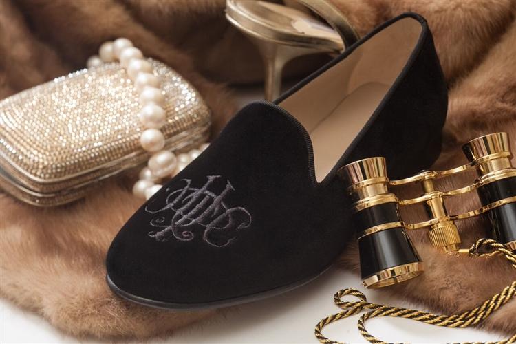 Women S Jpcrickets Monogram Black Velvet Loafer Slipper Shoe