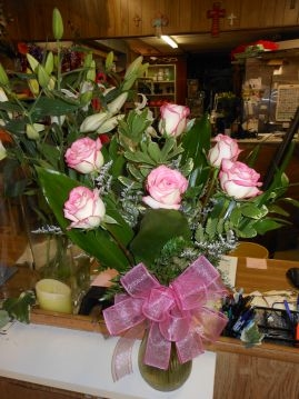 Medium Pink Long Stem Roses Dozen