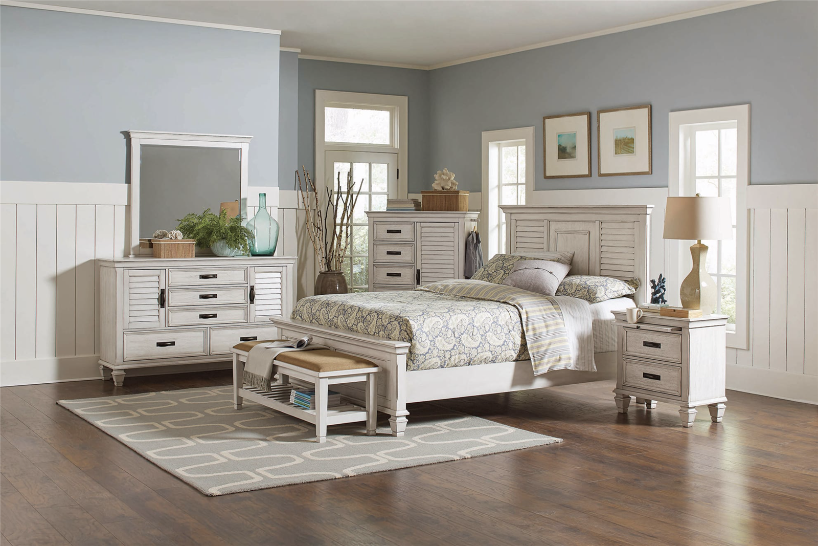 Picture of: Contemporary Gray Finish Louis Philippe Style Bedroom Collection