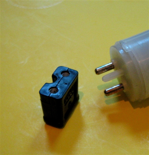 2 pin female electrical connector fits most 1960 39 s 1990 for Mercedes benz electrical connectors