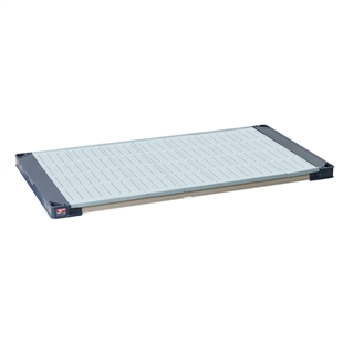 "18""d MetroMax 4 Antimicrobial Shelf w/ Solid Mat"