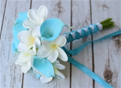 Natural Touch Aruba Turquoise Small Calla Lilies Bouquet