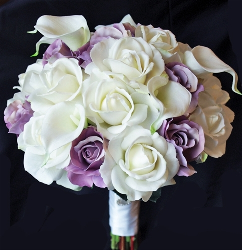 Purple Lavender Roses with Real Touch Callas