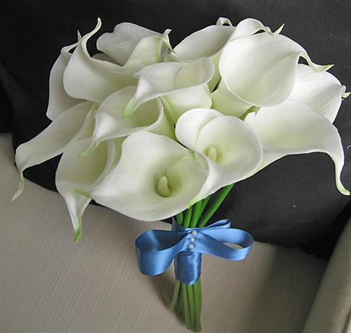 Floramatique Natural Touch Small Calla Lilies Bouquet