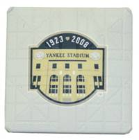 New York Yankees Authentic Hollywood Pocket Base - Final Season Logo