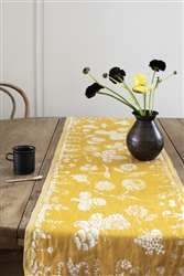 Lapuan Kankurit AAMOS Table Runner, cloudberry/white, 48 x 150 cm