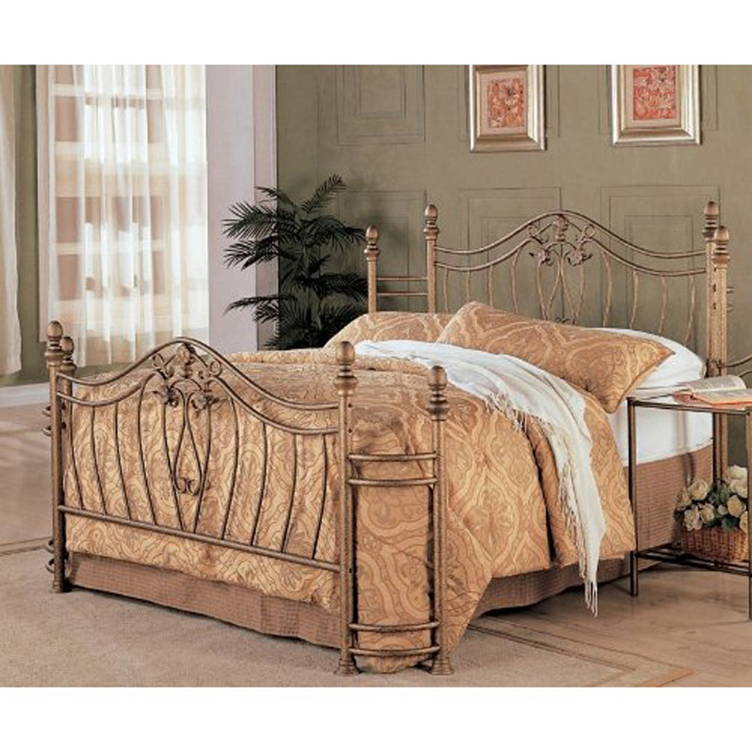 Picture of: Queen Size Metal Bed With Headboard And Footboard In Antique Brushed Gold Finish Fastfurnishings Com