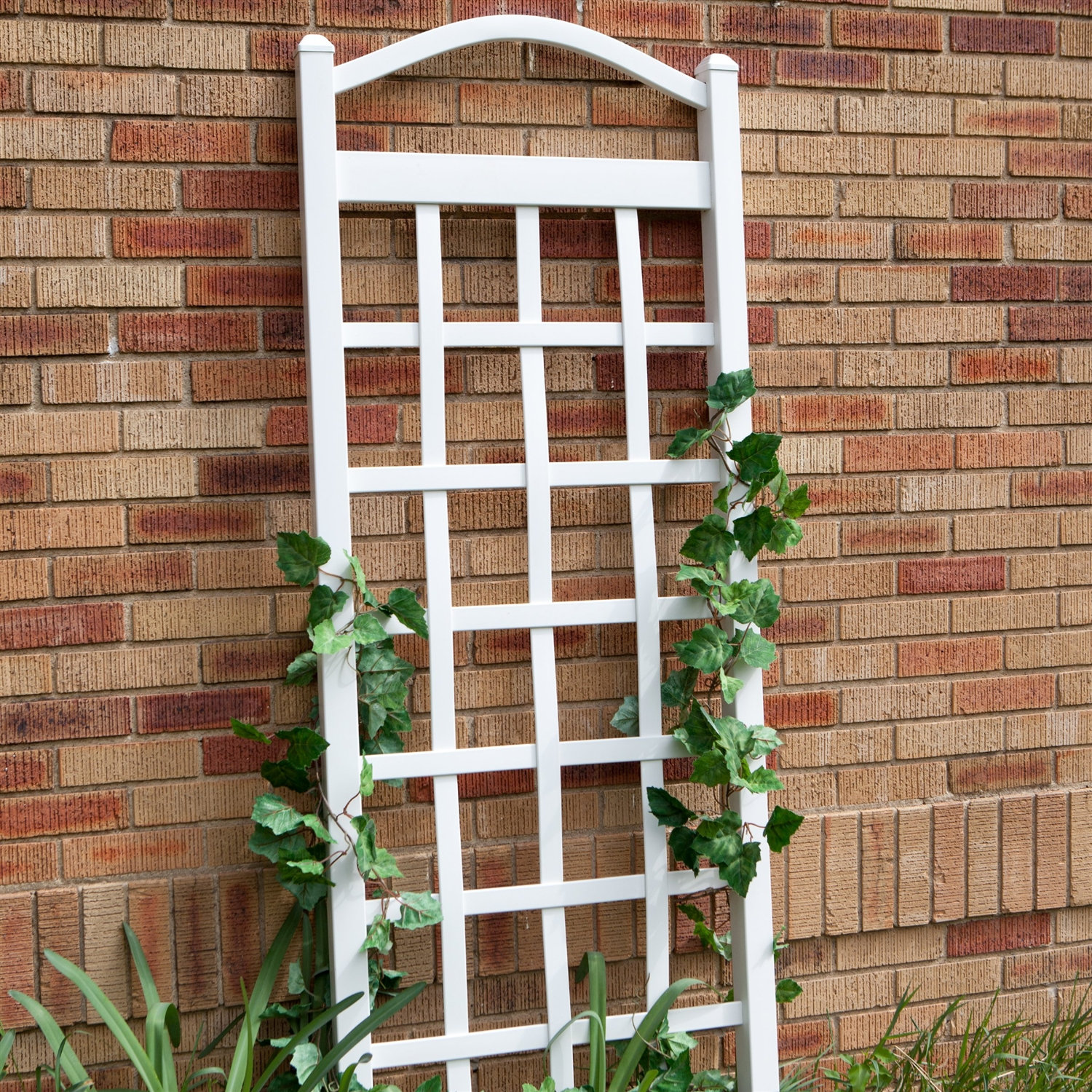 6 Ft White Vinyl Garden Trellis with Arch Top with Ground Mount ...