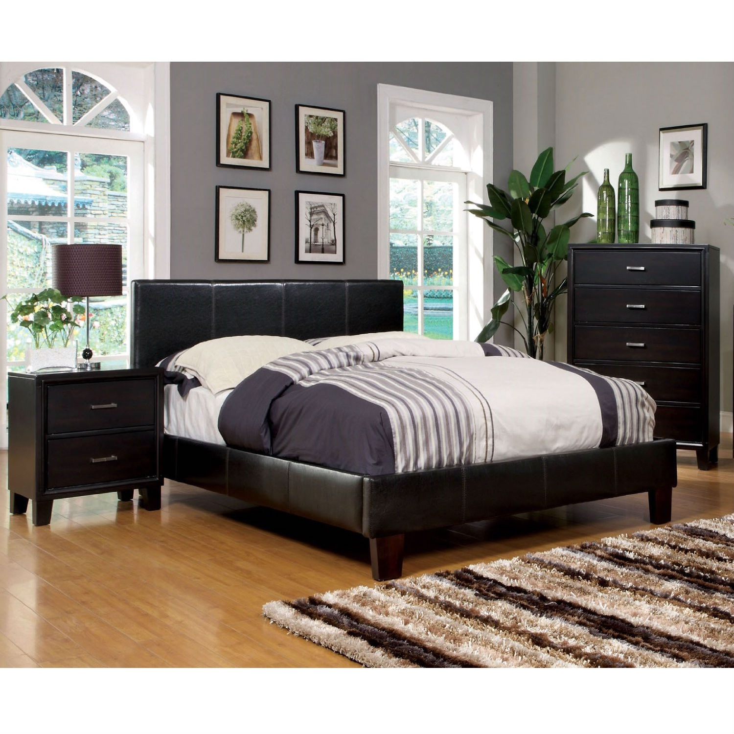 Queen size Upholstered Platform Bed with Headboard