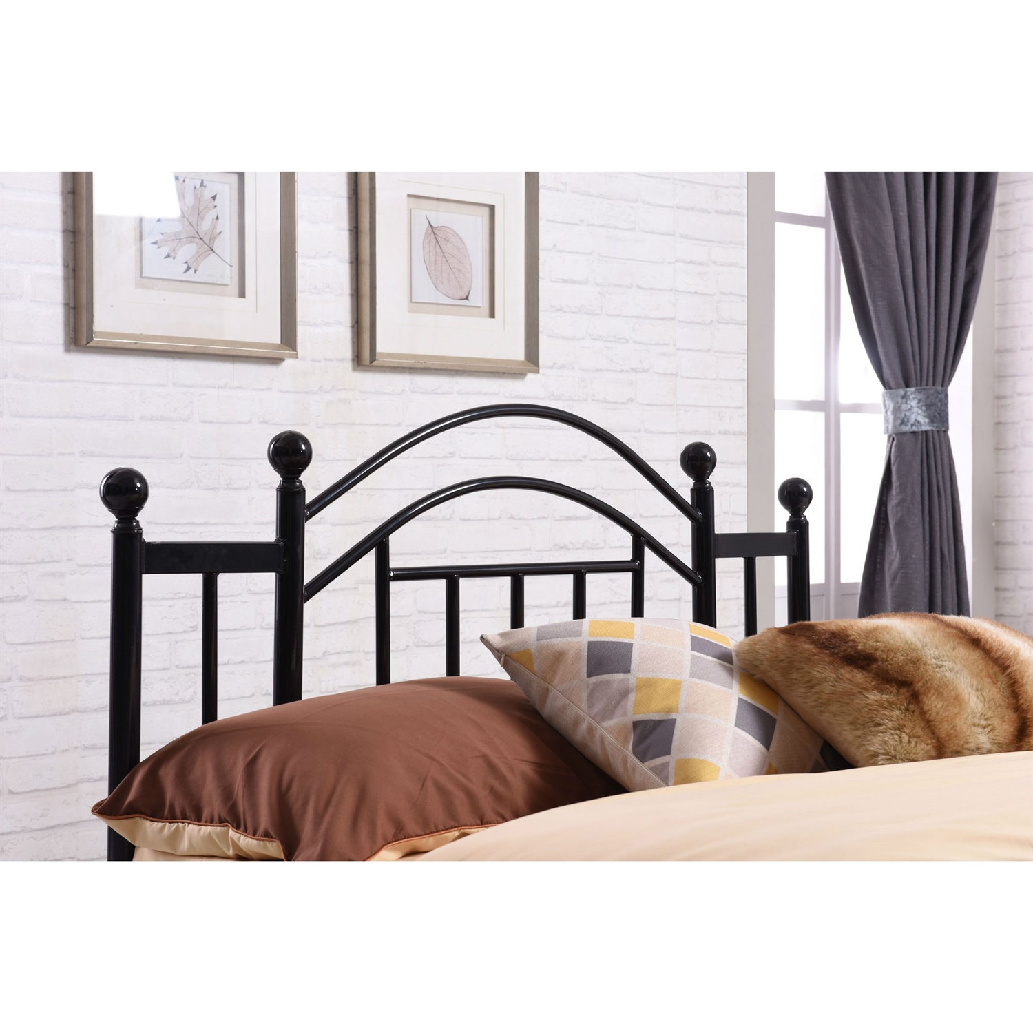 retail price 27900 - Black Platform Bed Frame