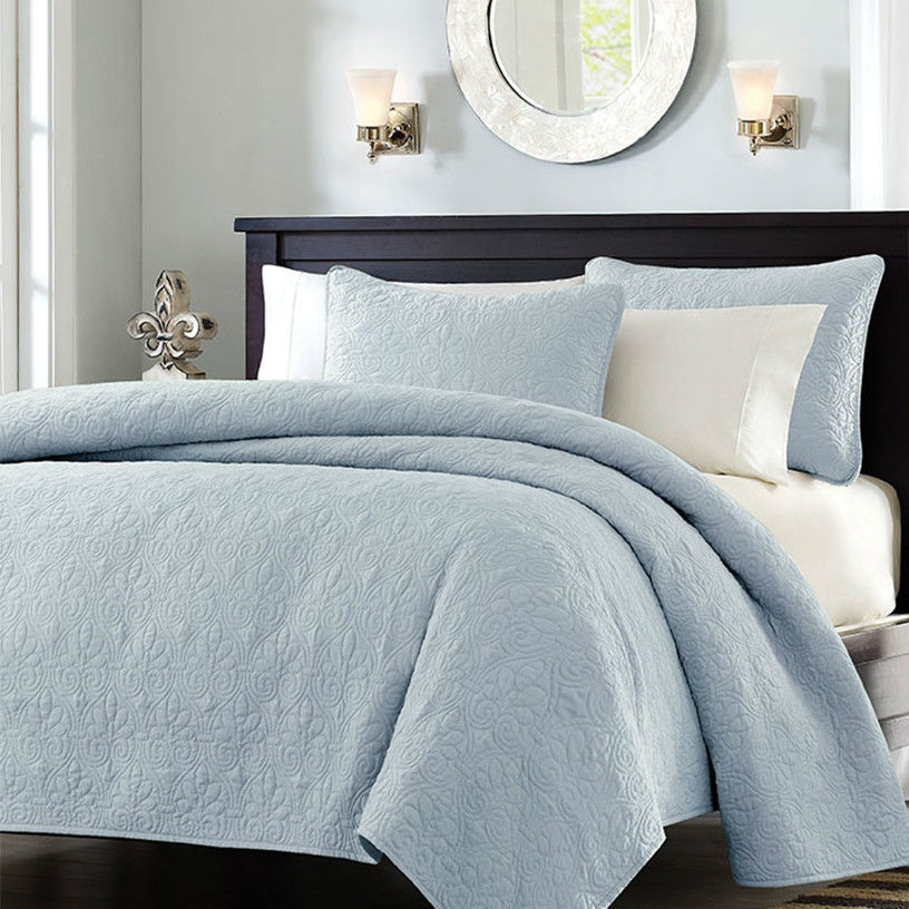 Full Queen Size Quilted Bedspread Coverlet With 2 Shams In Light Blue