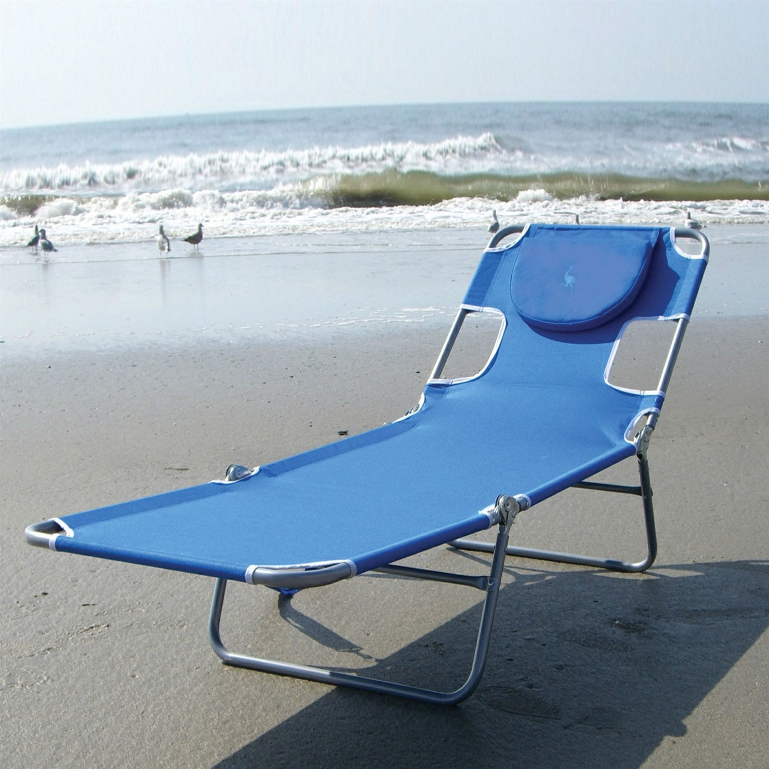 Blue chaise lounge beach chair with rustproof steel frame for Chaise lounge beach