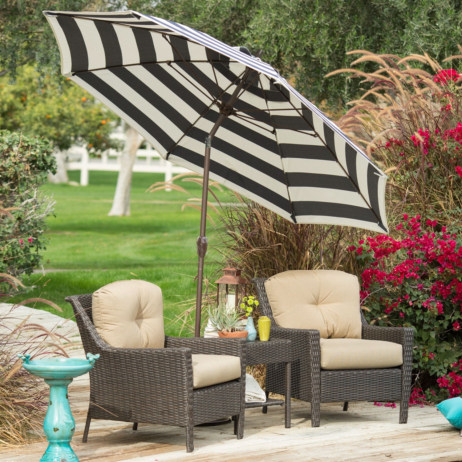 Stylish 9-Ft Market Patio Umbrella with Crank and Tilt in ...