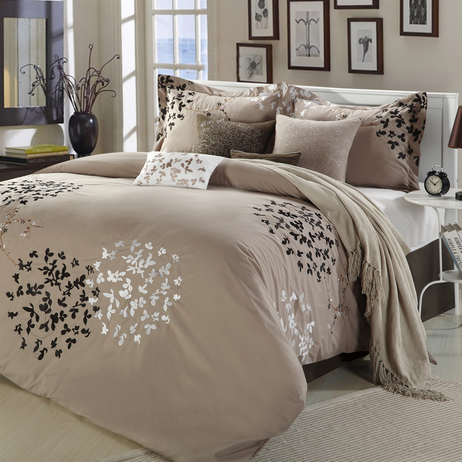 Queen Size 8 Piece Comforter Set In Light Brown Black Tan White Fastfurnishings Com