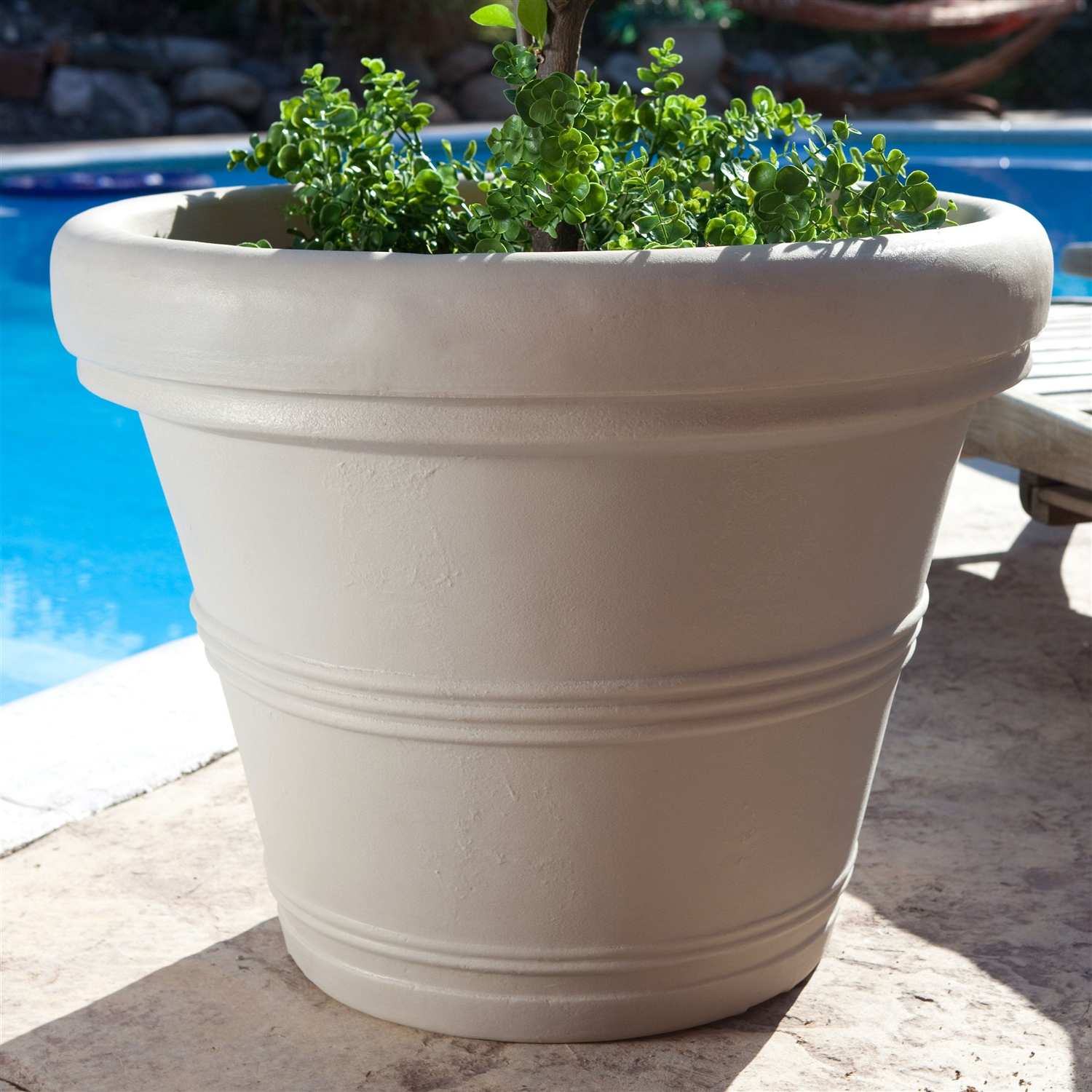 Round 26 Inch Outdoor Patio Planter For Garden Plants Or Small Tree In  Weathered Concrete