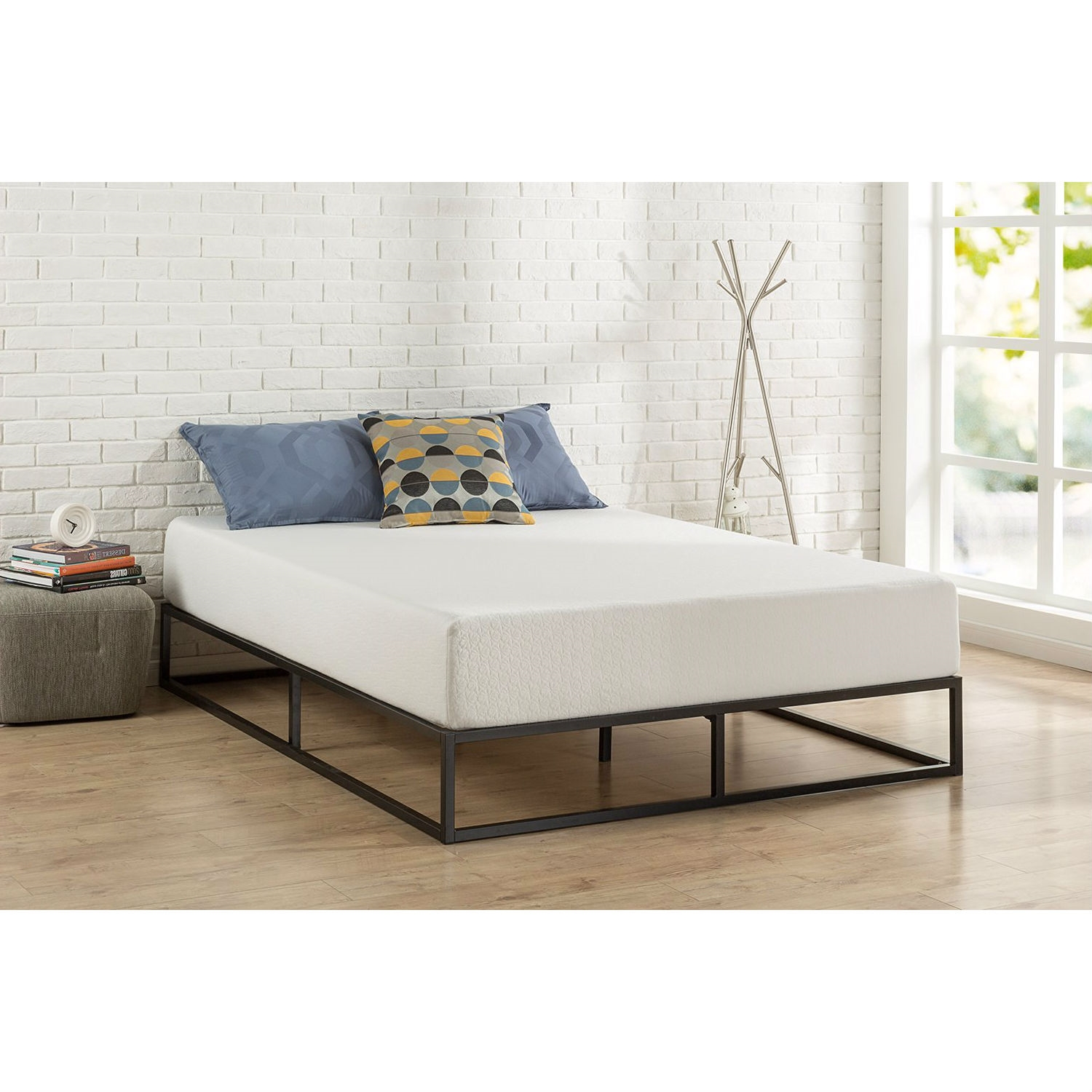 Twin Size 10 Inch Low Profile Modern Metal Platform Bed Frame With Wooden Slats