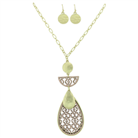 Stylish Fashionable Pink Soft Faux Leather Filigree Gold Necklace Set