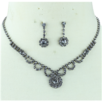 LIGHT AMETHYST CRYSTAL FLOWER DROP NECKLACE SET