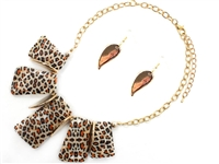 Unique & Stylish Leopard Print Stone & Winged Charms Gold Necklace Set